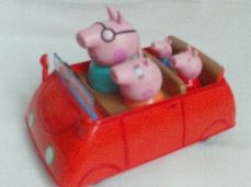 Adorable 'Peppa Pig' Family Push Along Car + 4 Figures
